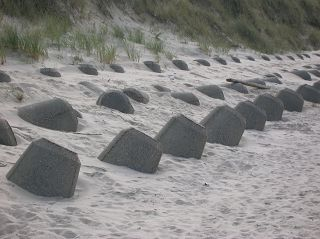 Wenningstedter Strand: Tetrapodenhalten Erosion auf