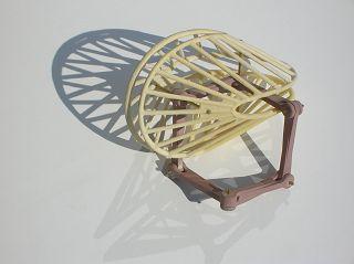 sechsgliedrige Gelenk-Kette (Schatzwürfel) in Oloid. Modell: Werner BUDDE