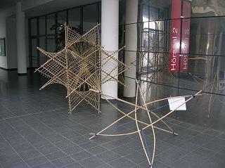 Bambus-Modell mit Spannkraft von Caspar Schwabe