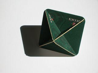 Oktaeder aus Bierdeckeln