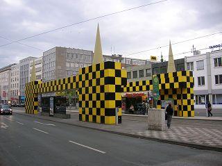 schwarz gelb kubisch