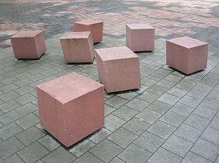 Sandstein-Rhomboeder in der Innenstadt von Münster (Westfalen)