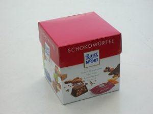 Würfelverpackung einer bekannten deutschen Schokoladenfabrik