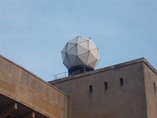 Radar-Kuppel am ehemaligen Flughafen  Berlin-Tempelhof THF