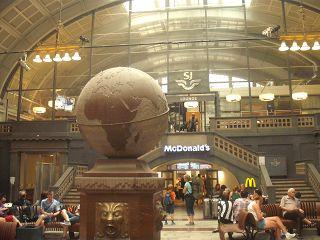 Globus im Bahnhof Stockholm Central