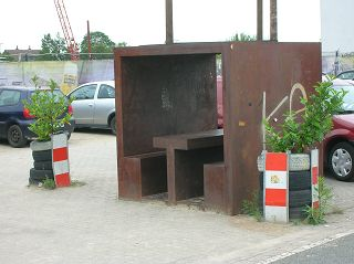 rostiger Rastwürfel im Dortmunder Hafen